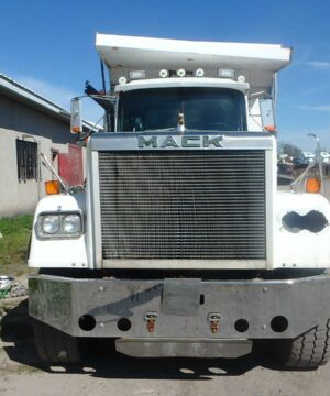 1987 Mack Superliner RW713